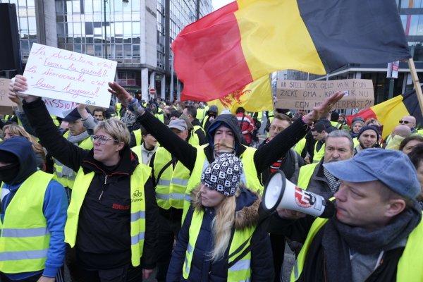 Belçika'da protestolar hükümete geri adım attırdı