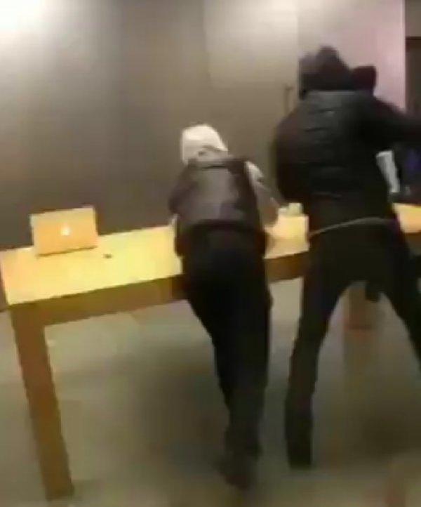 Fransızlar Apple mağazasını talan edip tüm ürünleri çaldı