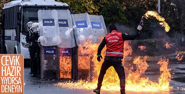 Çevik kuvvete, protestoculara müdahale eğitimi