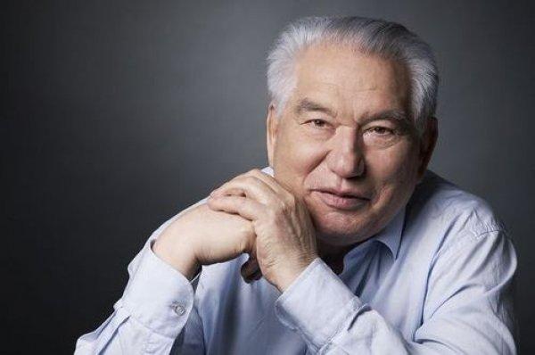 Cengiz Aytmatov'u doğum gününde eserlerinden seçkilerle anıyoruz