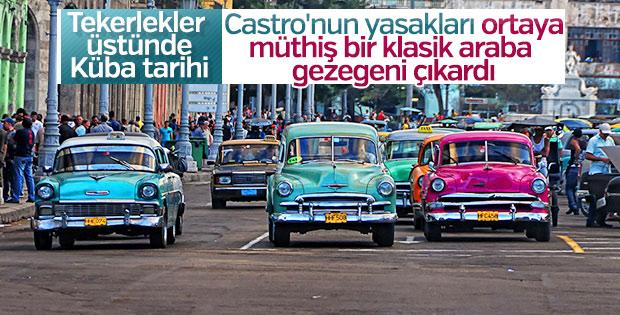 1950'lerin destansı Amerikan arabaları hâlâ Havana sokaklarında