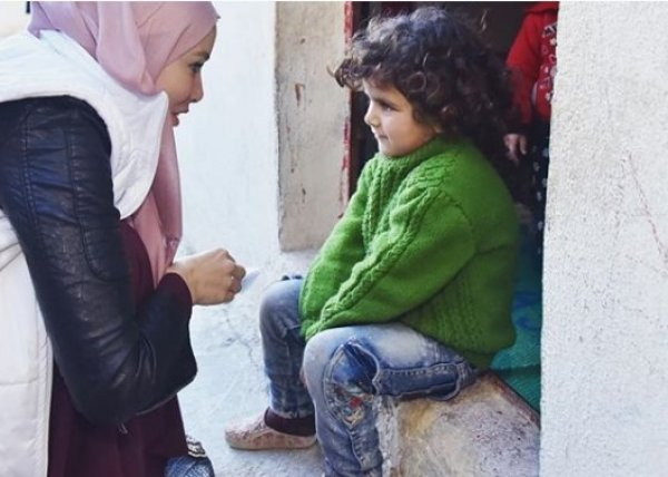 Tesettüre giren Gamze Özçelik, İdlibe gitti