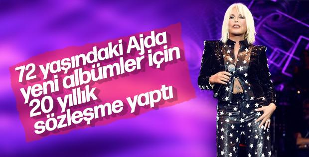 Ajda Pekkan, yeni albümler için sözleşme imzaladı