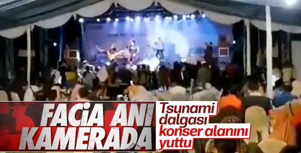 Tsunamiye konserde yakalandılar