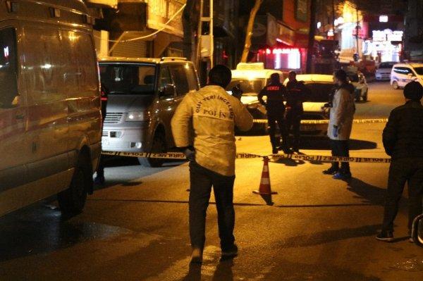 Ümraniye'de 15 yaşındaki genç kız camdan atladı