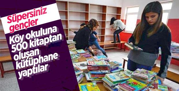 Üniversiteli gençler köy okulunu kütüphaneye kavuşturdu