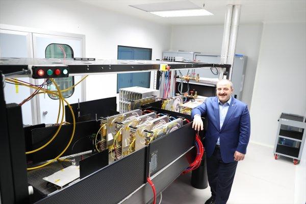 Bakan Mustafa Varank bilgi güvenliğinin mutfağında
