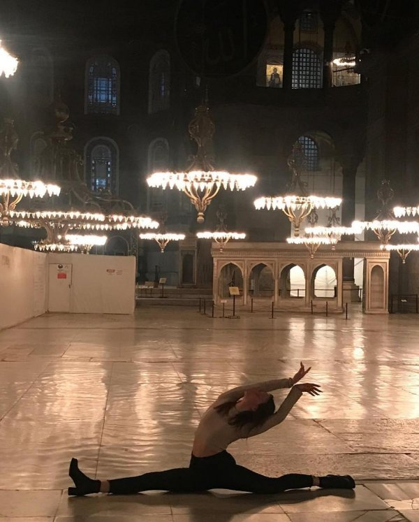 Leyla Alaton'dan Ayasofya'da dans paylaşımı
