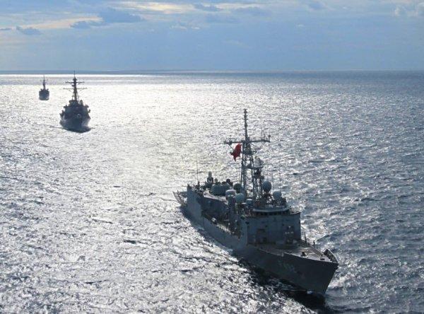 Deniz Kuvvetleri'nden Ege'de atış tatbikatı