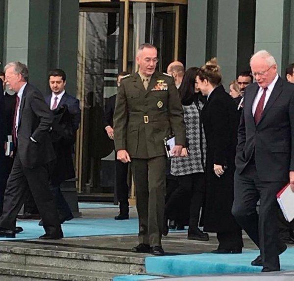 Külliye çıkışında dağılan John Bolton