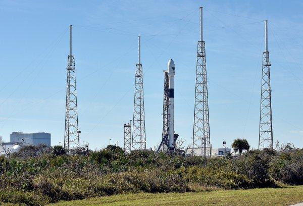 SpaceX, 10 haberleşme uydusunu uzaya gönderdi