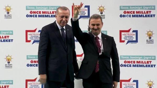 Cumhur İttifakı adayı Erdoğan'ın yanında bozkurt yaptı