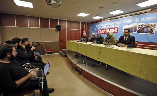 İHH: Doğu Türkistan'daki toplama kampları kapatılsın