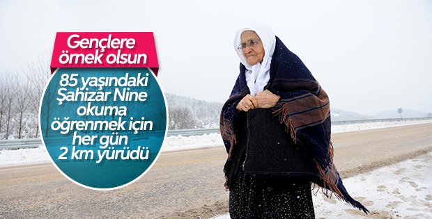 Bursa'da 85 yaşındaki Şahizar Nine'nin okuma azmi