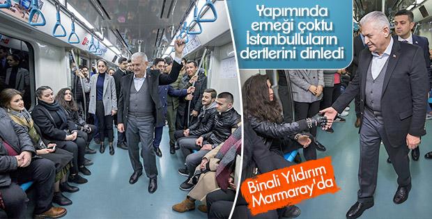 Binali Yıldırım Marmaray'a bindi