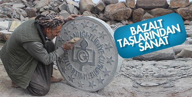 35 yıldır bazalt taşlarını sanat eserine dönüştürüyor