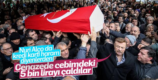 Ayşen Gruda'nın cenazesinde Nuri Alço'nun parası çalındı