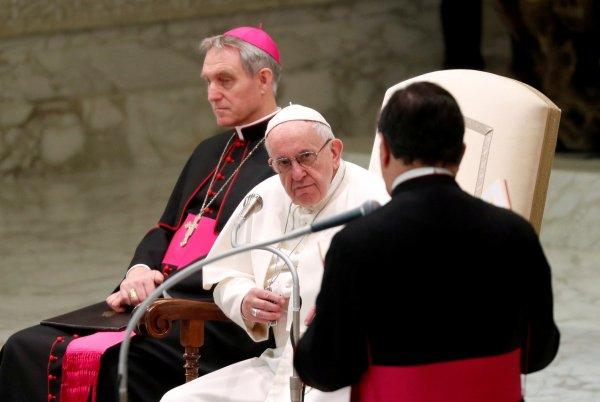 Papa: Bazı rahibeler seks kölesi olarak kullanılıyor