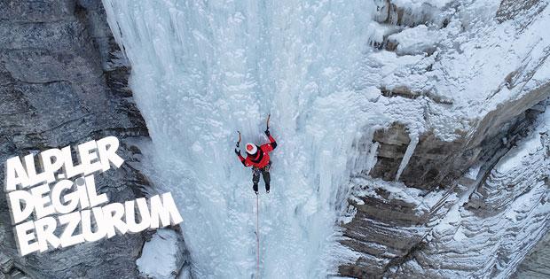 Erzurum'da şelale dondu turizme katkı oldu