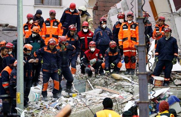 Soylu: Kartal'da çöken binada ölü sayısı 16 oldu