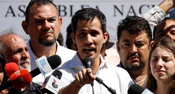 Guaido ABD'nin askeri müdahalesine hazır
