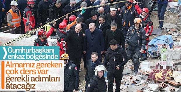 Cumhurbaşkanı Kartal'da çöken binanın enkazında