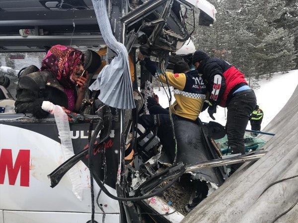 Kars-Erzurum yolunda kaza: 20 yaralı