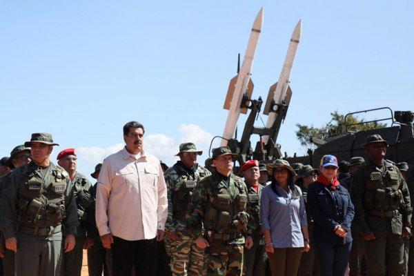 Maduro, Venezuela ordusunun tatbikatında