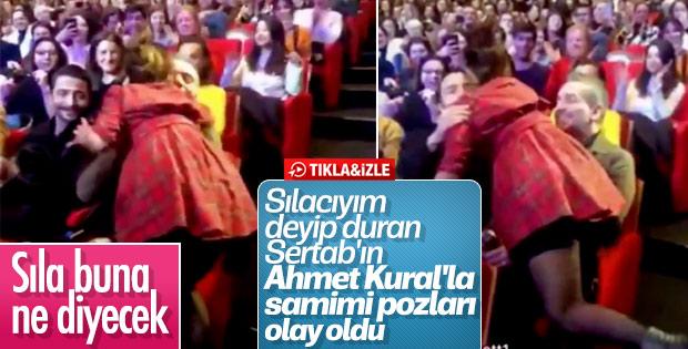 Sertab Erener, Ahmet Kural'ı öperek karşıladı