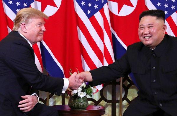 Trump ve Kuzey Kore lideri Kim Vietnam'da buluştu