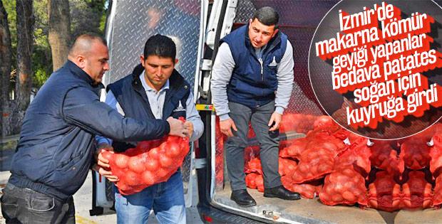 CHP İzmir'de bedava patates-soğan dağıtıyor
