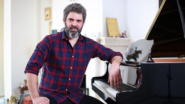 Gülben Ergen, müzisyen Emre Irmak'la aşk yaşıyor