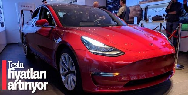 Tesla, mağazaları açık tutmak için fiyatları yükseltiyor