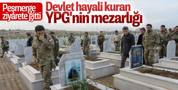 Peşmerge YPG'nin mezarını gezdi