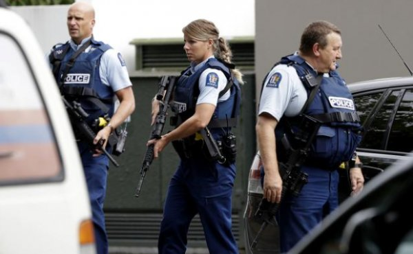 Yeni Zelanda'da 2 camiye silahlı saldırı düzenlendi