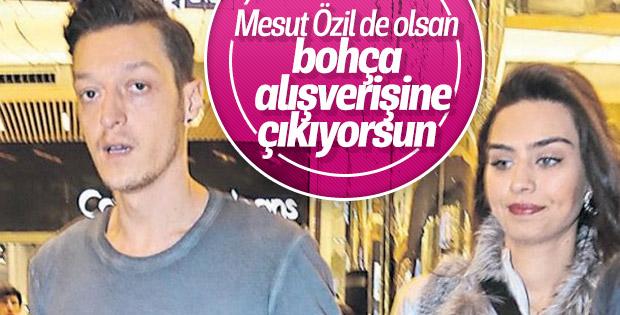 Mesut Özil ve Amine Gülşe düğün alışverişinde