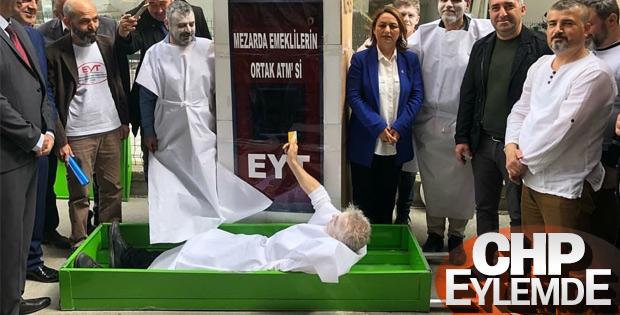 Adana'da CHP'nin EYT eylemi