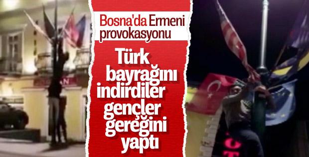 Ermenilerin indirdiği Türk bayrağı göndere çekildi