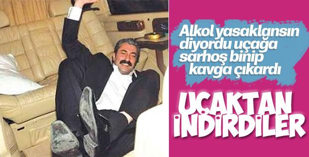 Erkan Petekkaya alkollü olduğu için uçaktan indirildi