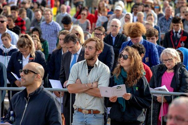 Yeni Zelandalılar terör kurbanlarını unutmadı