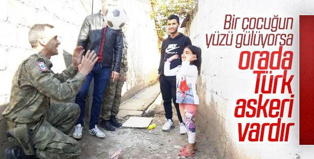 Türk askerinden Kosova'da 500 aileye yardım