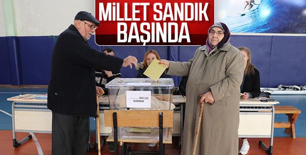 57 milyon seçmen, yerel seçim için sandık başında
