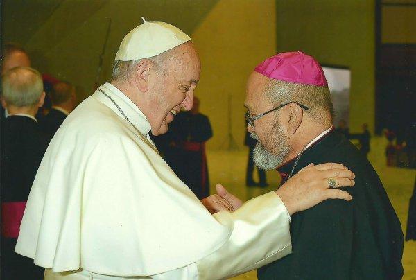 Çocuk istismarcısı Başpiskopos görevinden uzaklaştırıldı