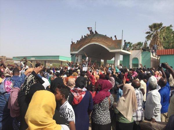 Sudan'daki darbede ABD'nin parmağı var