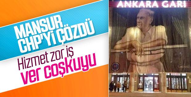 Ankara Garı'na dev Atatürk posteri asıldı