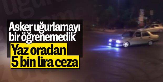 İstanbul'da asker konvoyunda drift