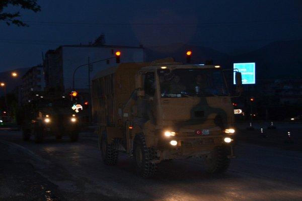 Suriye sınırına askeri sevkiyat devam ediyor