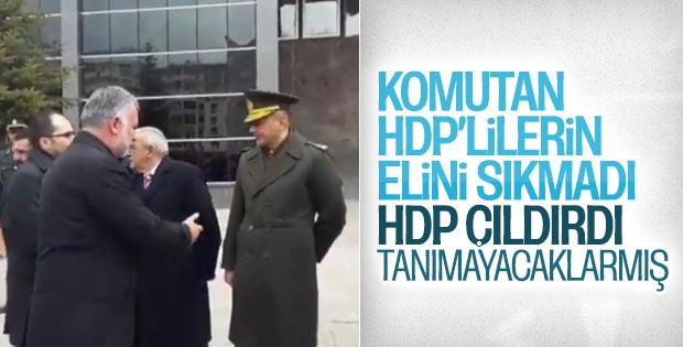 Kars'ta ellerini sıkmayan komutan, HDP'yi çıldırttı