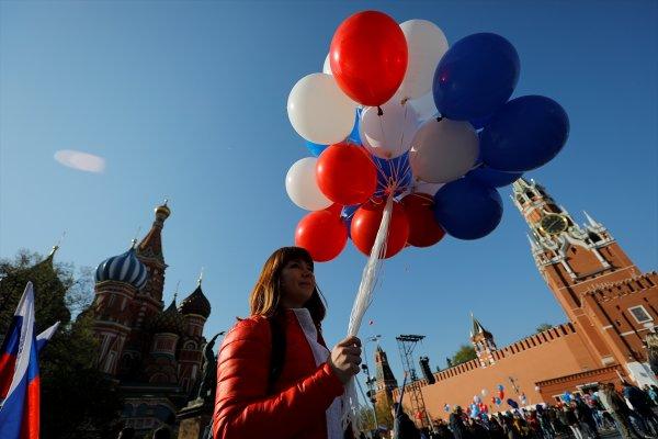Türkiye ve Rusya'daki 1 Mayıs kutlamaları