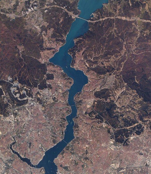 Uzaydan görüntülenen İstanbul'un beton ormanları